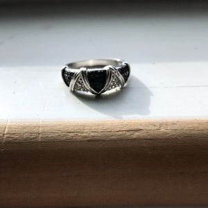 Jewelry - Sterling and black diamond chip ring